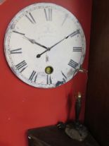 Lot 334 - Clock & lamp