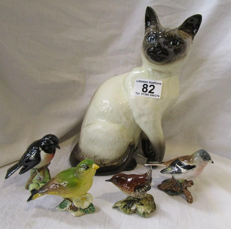 Lot 82 - Beswick cat & 4 Beswick birds