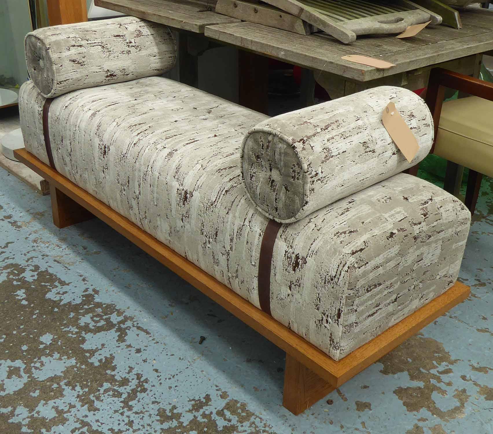 Lot 39 - GEORGE SMITH WINDOW SEAT, 54cm W.