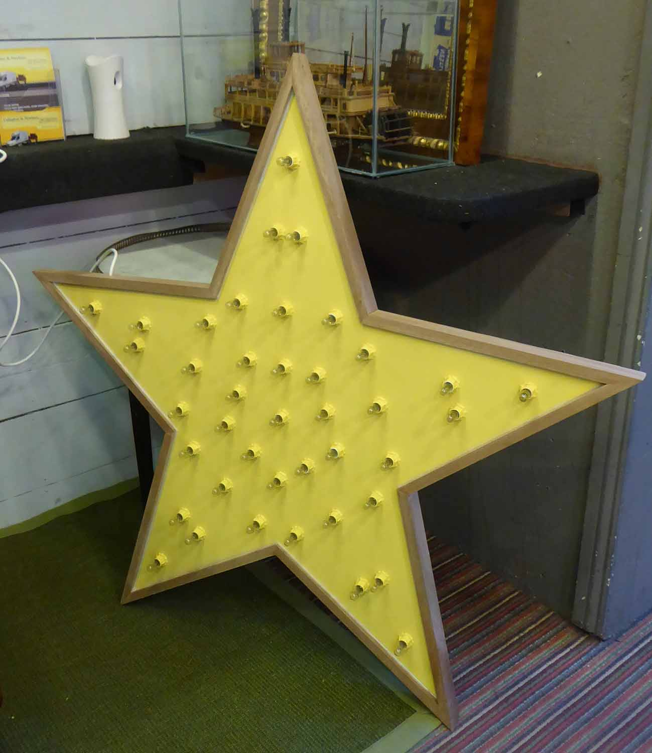 Lot 18 - SUPERNOVA BY BEE RICH, to be sold on behalf of Make a Wish Foundation UK, (spare bulbs included),