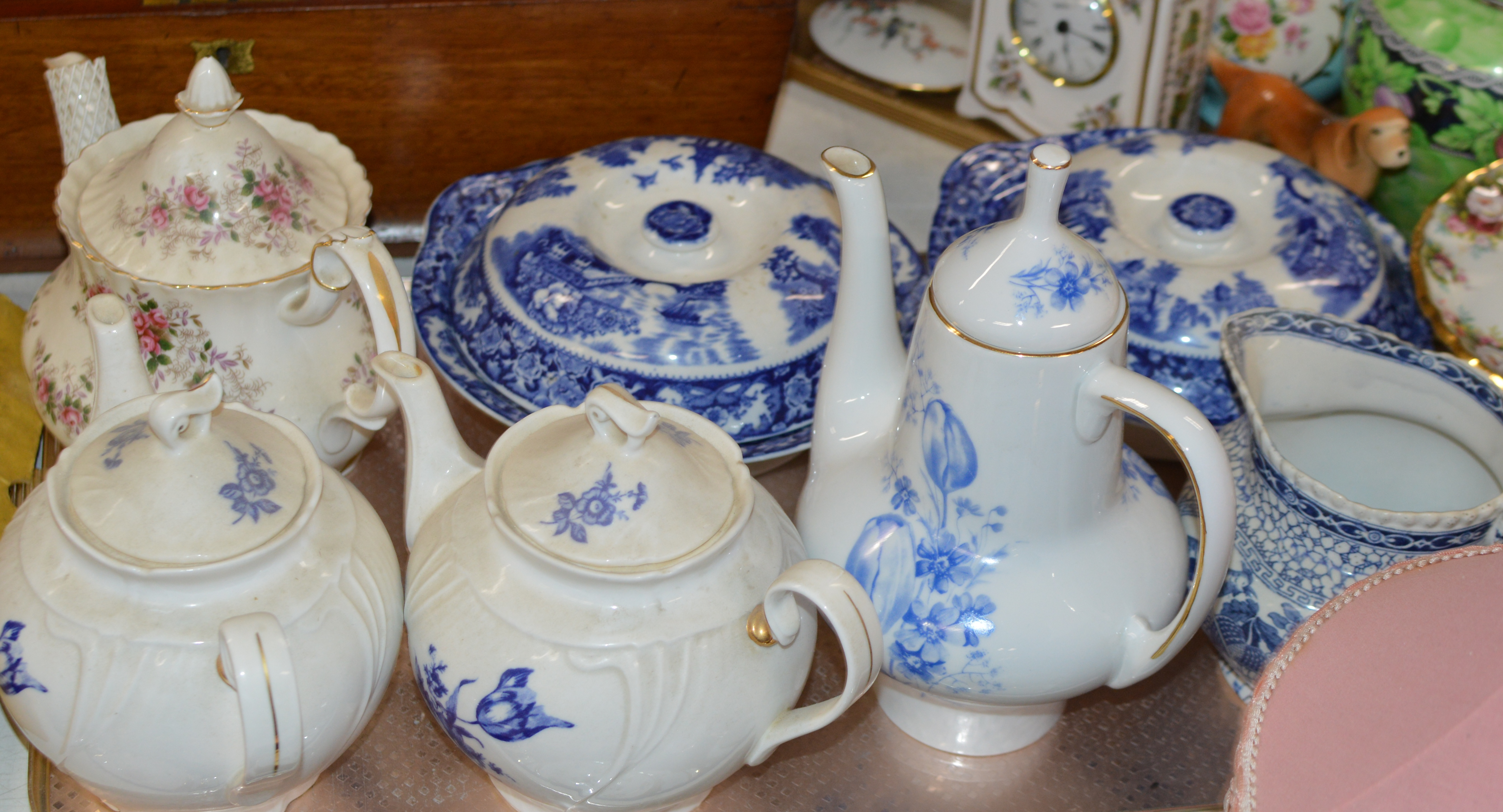 Lot 609 - TRAY CONTAINING 4 TEAPOTS, WATER JUG & 2 LIDDED TUREENS