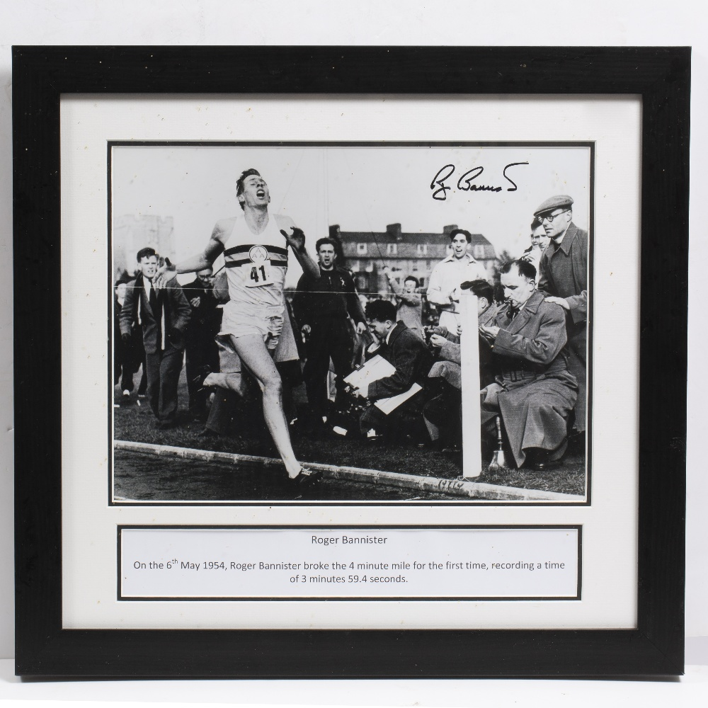 Lot 1 - A ROGER BANNISTER SIGNED PHOTOGRAPH completing the four minute mile, photograph measures 30cm x