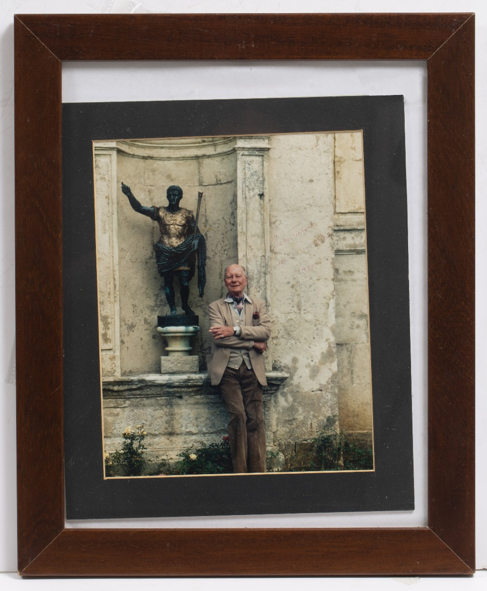 Lot 18 - CINEMA AND ENTERTAINMENT SIGNATURES AND PHOTOGRAPHS to include: Laurence Olivier, Alex Guinness,