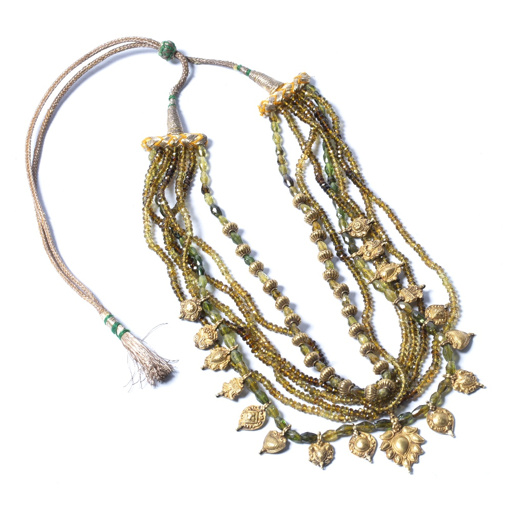 Lot 55 - Gold necklace South India, 20th century 45.5cm across
