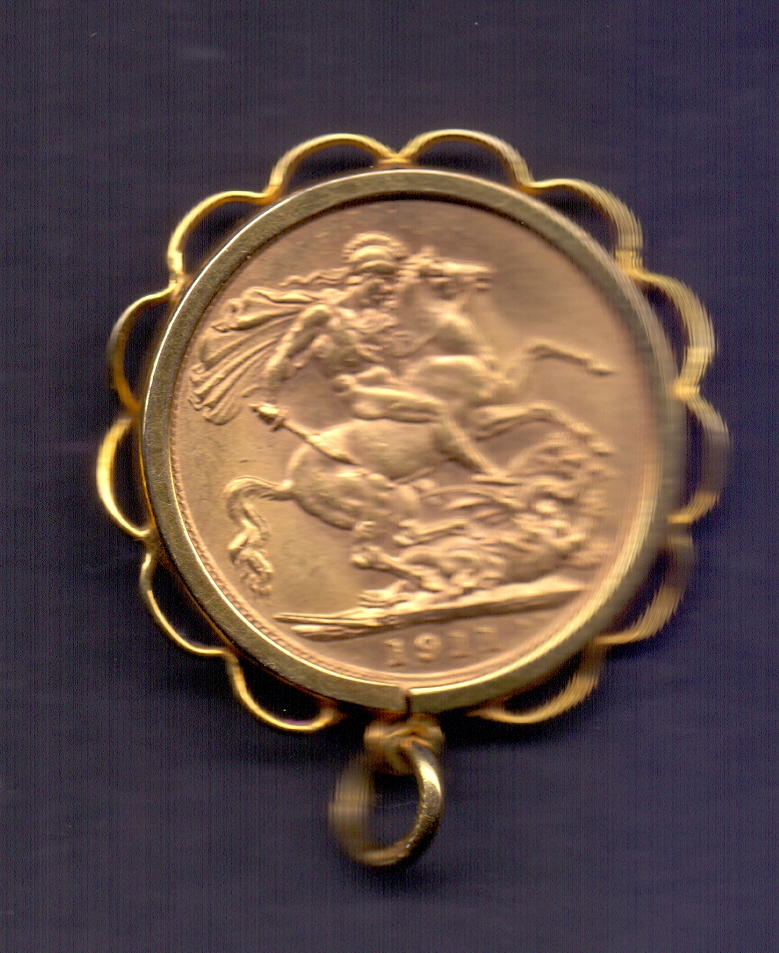Lot 175 - COINS : 1911 GV Gold Sovereign housed in