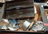 Lot 29 - A box of kitchenalia