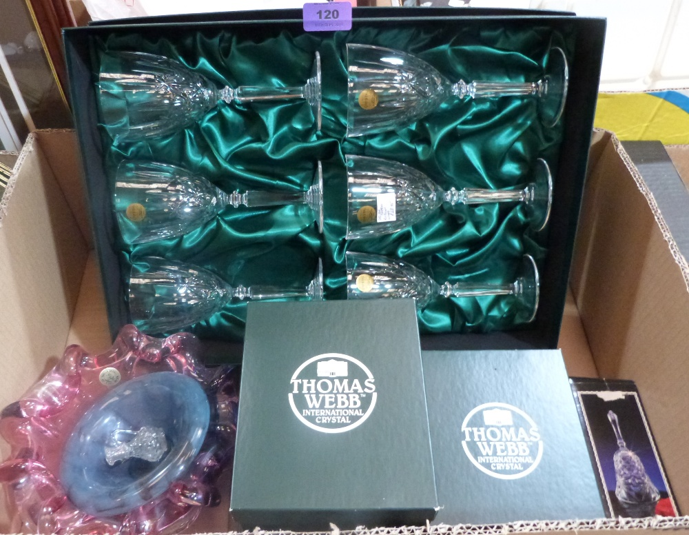 Lot 120 - A collection of Thomas Webb and other glassware