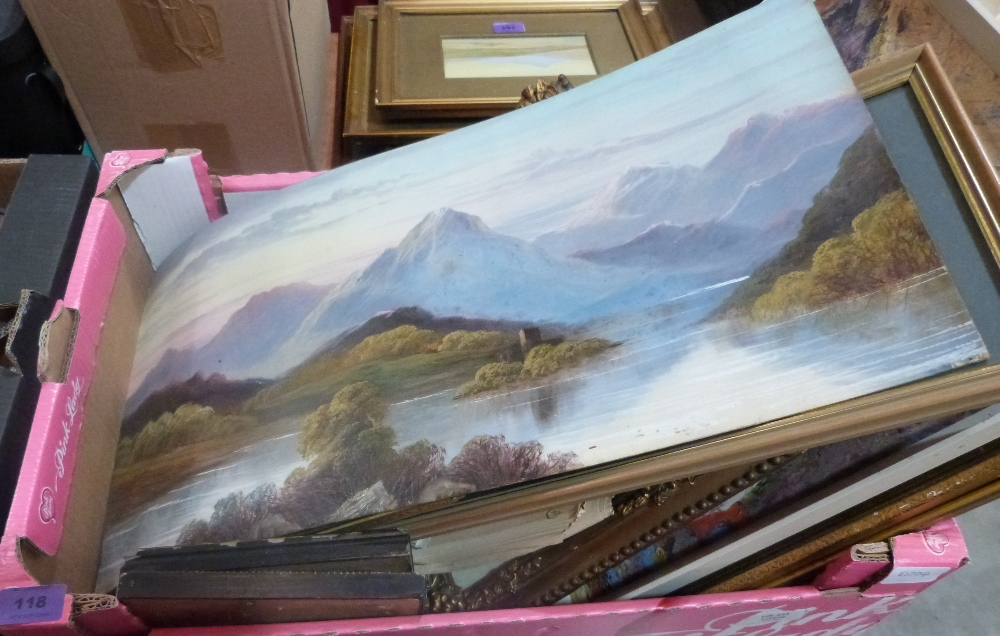 Lot 118 - A box of pictures