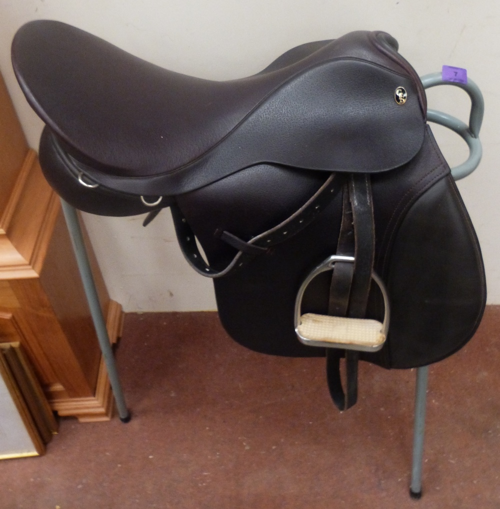 Lot 7 - A Fieldhouse Saddlery hunting saddle with metal stand. As new
