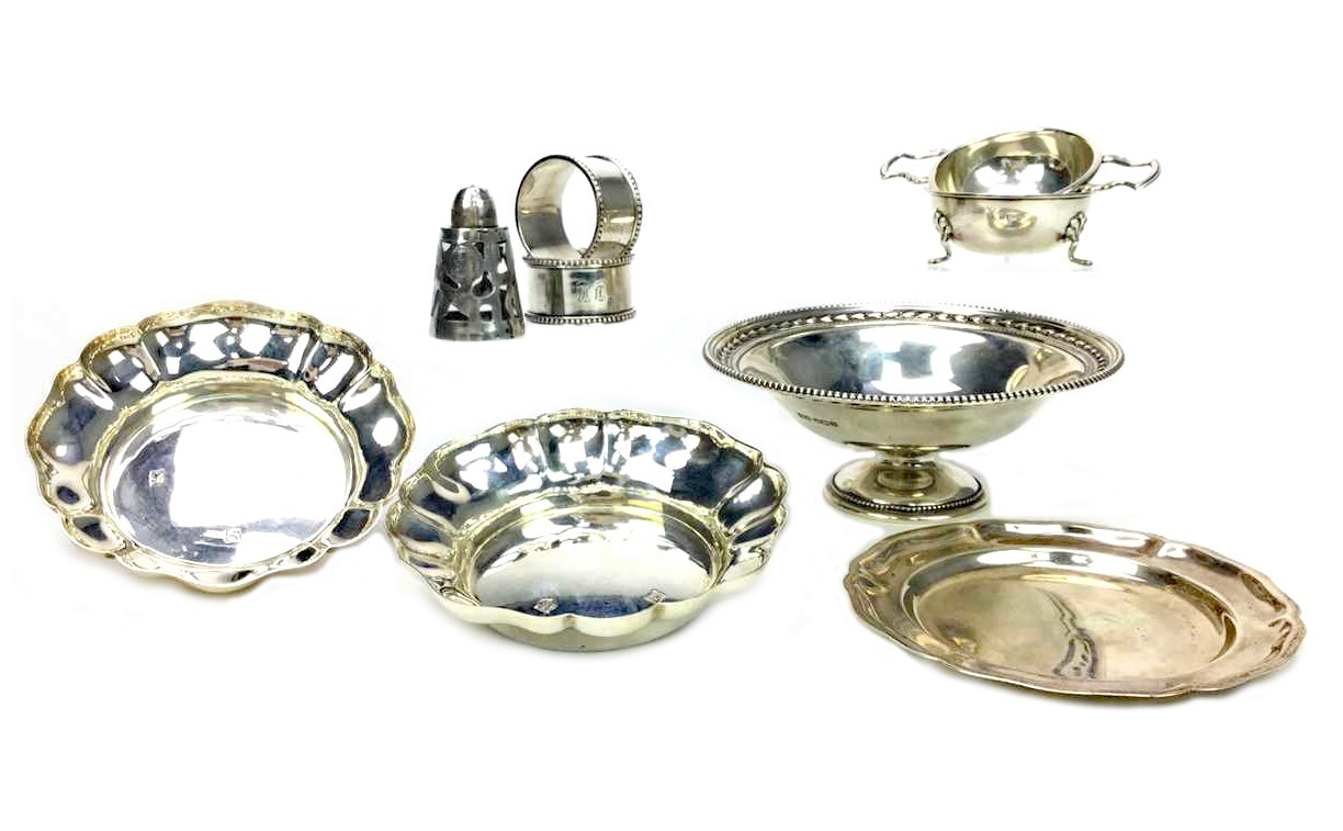 Lot 873 - A COLLECTION OF SILVER ITEMS