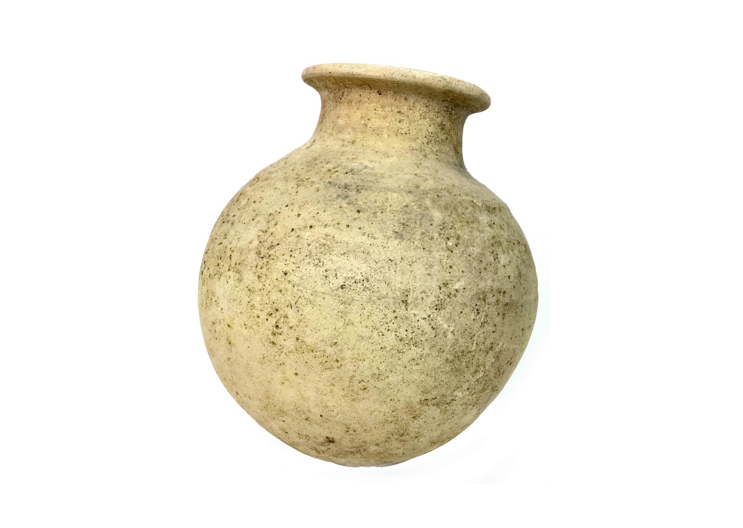 Lot 1018 - A FIRST CENTURY B.C. PERSIAN TERRACOTTA POT