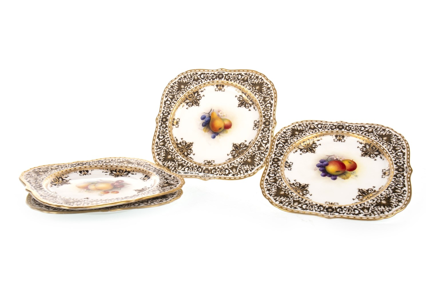 Lot 1270 - A SET OF FOUR ROYAL WORCESTER PLATES BY ALBERT SHUCK