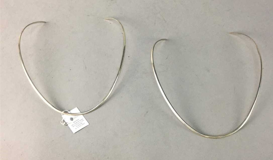 Lot 315 - A COLLECTION OF SILVER NECKLETS AND OTHER ITEMS