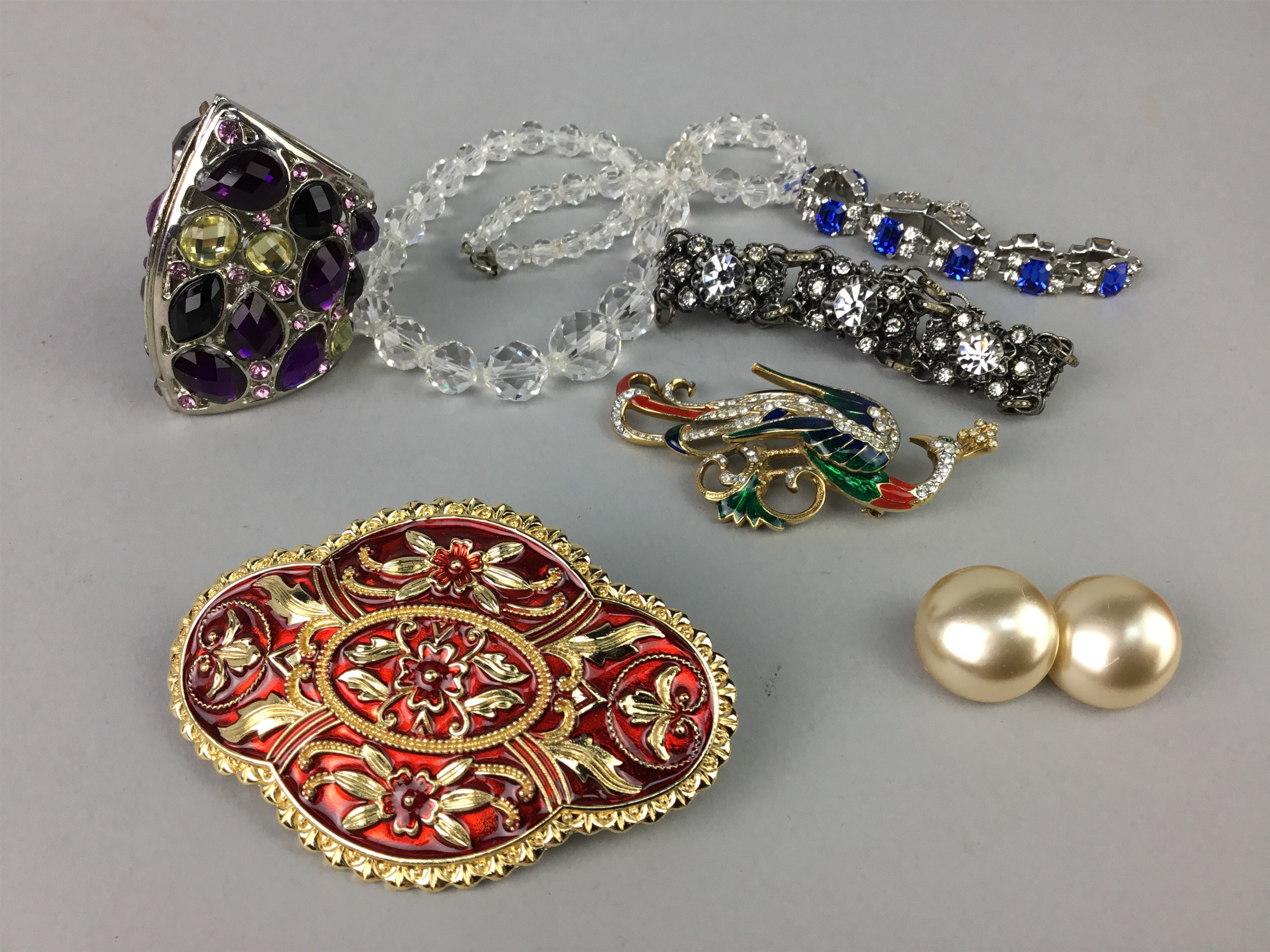 Lot 111 - A LOT OF SILVER AND OTHER COSTUME JEWELLERY