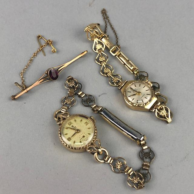 Lot 1 - A LADY'S TUDOR WRISTWATCH, ANOTHER WRISTWATCH AND A BROOCH