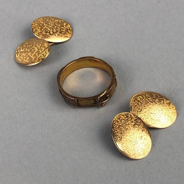 Lot 37 - A PAIR OF GOLD CUFFLINKS AND A MOURNING RING