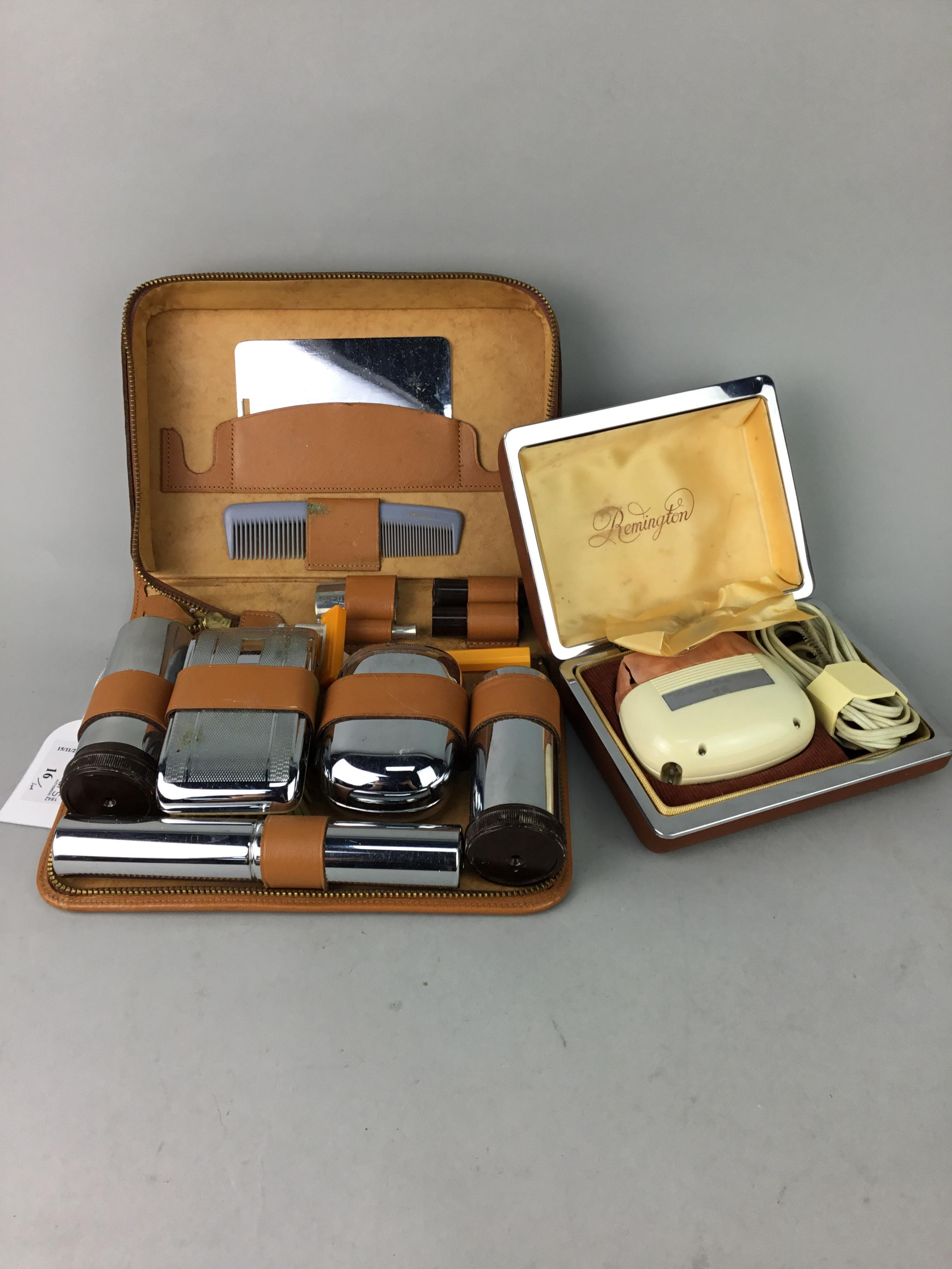 Lot 16 - A BOX BROWNIE CAMERA