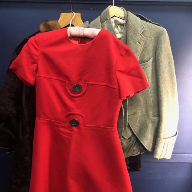 Lot 102 - A LOT OF VINTAGE CLOTHING