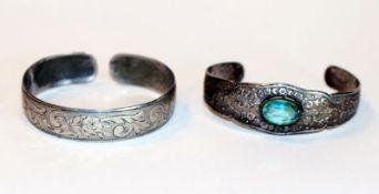 2 Silber Armspangen, D ca. 6 cm, Tragespuren