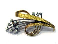 18 k Gelb- und Weißgold Brosche mit 12 Diamanten, lupenrein, reinweiß, zus. 0,91 ct., B 5 cm, mit