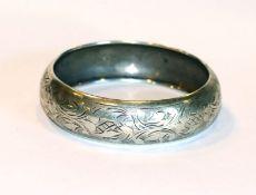 Armreif, 900 Silber mit graviertem Dekor, D 6,5 cm, Tragespuren