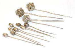 Konvolut von 3 filigranen Haarnadeln und 8 Haarnadeln mit Eicheldekor, teils Silber, Tragespuren