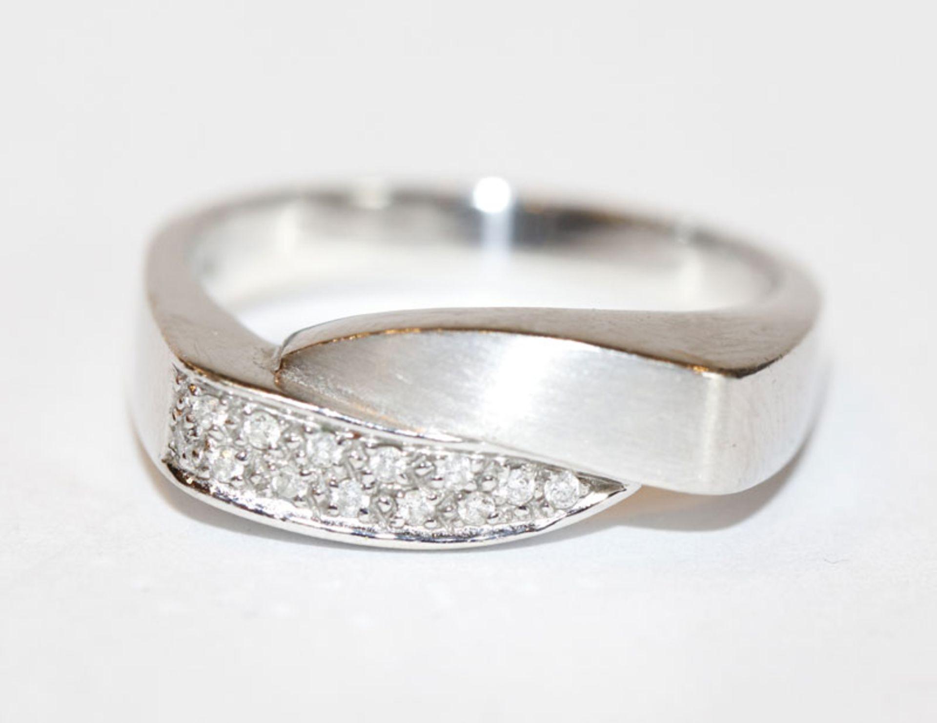 14 k Weißgold Ring, teils mattiert mit 13 Diamanten, Gr. 61, 5,1 gr.