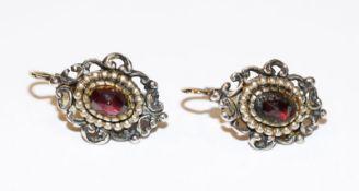 Paar Silber Trachten-Ohrhänger mit Goldbügel und Granaten, L 2 cm