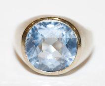 14 k Weißgold Ring mit Blautopas ?, Gr. 55, 12,9 gr.
