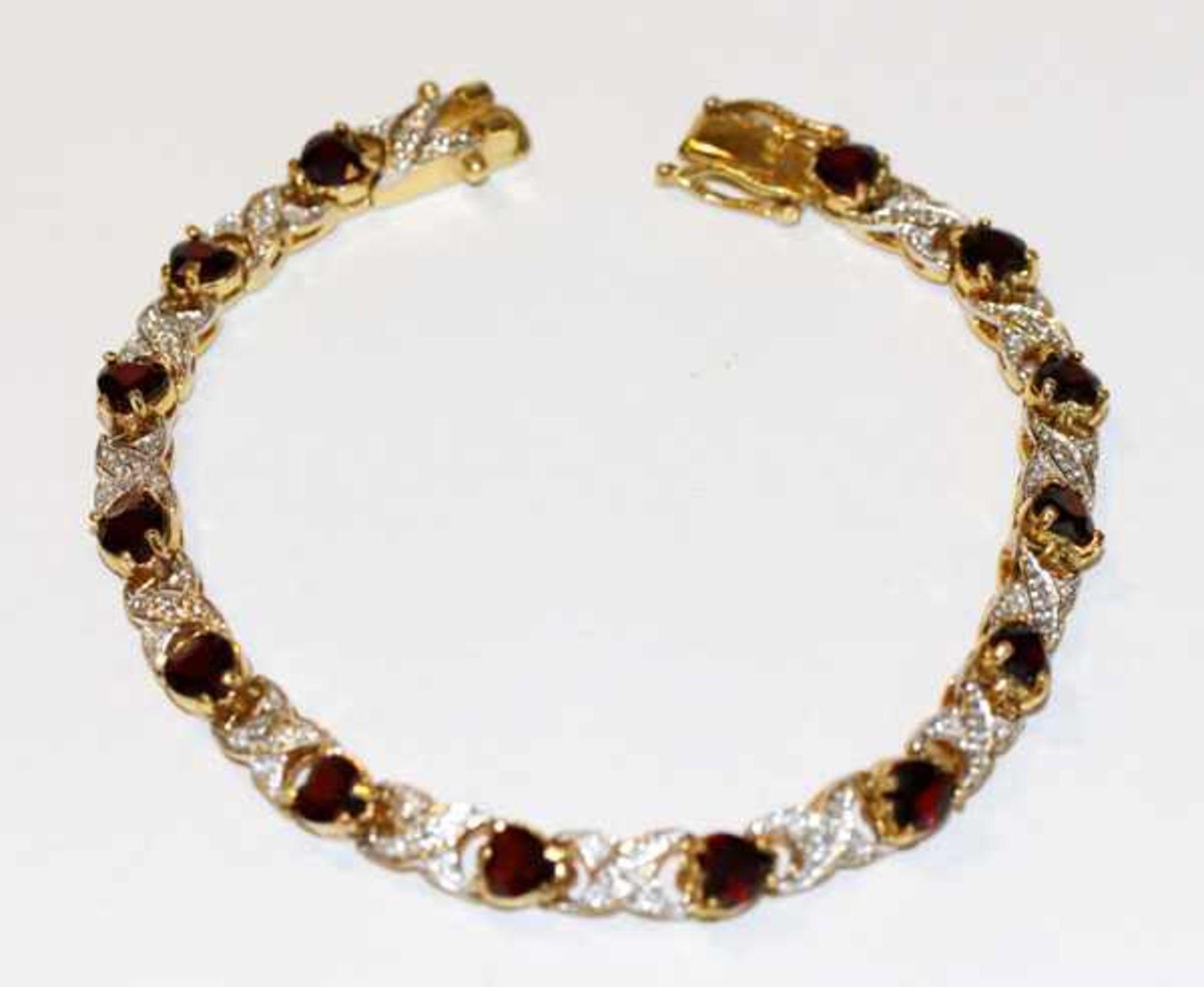 Los 19 - Sterlingsilber/vergoldetes Armband mit Glassteinen besetzt, L 20 cm