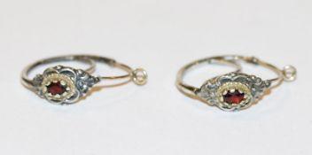 Paar Silber Trachten-Creolen mit Gelbgoldbügel und Granaten, D 2 cm