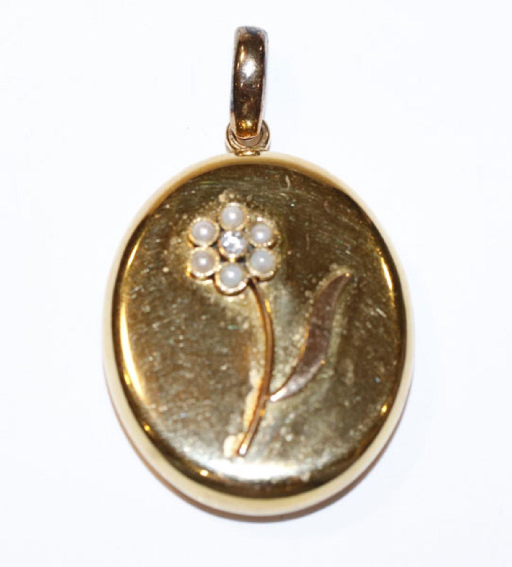 Englischer 15 k (0,625 Gold) Gelbgold Medaillon-Anhänger mit aufgesetztem Blumendekor und Diamant