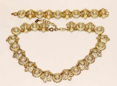 Dekoratives Dior Modeschmuck Collier, L 45 cm, und passendes Armband, L 18 cm