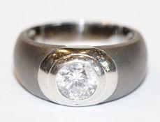Silber Modeschmuck Ring, mattiert mit Glasstein, Gr. 66