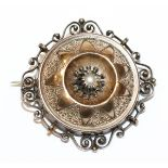 Doublé Brosche mit kleiner Perle, feine Handarbeit, 19. Jahrhundert, D 3 cm