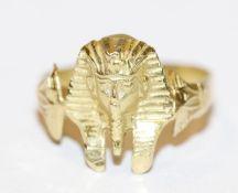 18 k Gelbgold Ring in Form einer ägyptischen Pharaonen Maske, 3,38 gr., Gr. 53