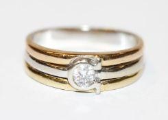 18 k Gelb- und Weißgold Ring mit in Weißgold gefaßten Diamanten, 5,9 gr., Gr. 54