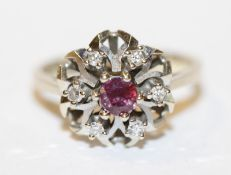 14 k Weißgold Ring mit Rubin und 6 Diamanten, 3,38 gr., Gr. 50