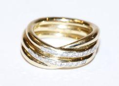 18 k Gelbgold Ring mit 24 Baguettschliff Diamanten, zus. ca. 0,5 ct., 14,4 gr.
