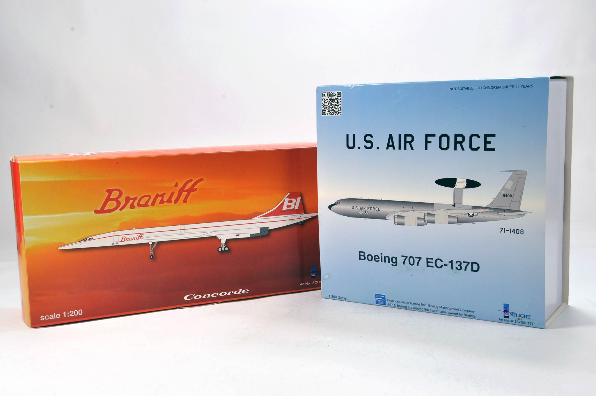 Lot 42 - Inflight Models 1/200 Diecast Aircraft Models comprising Concorde plus Boeing 707 USAF. Graded ex