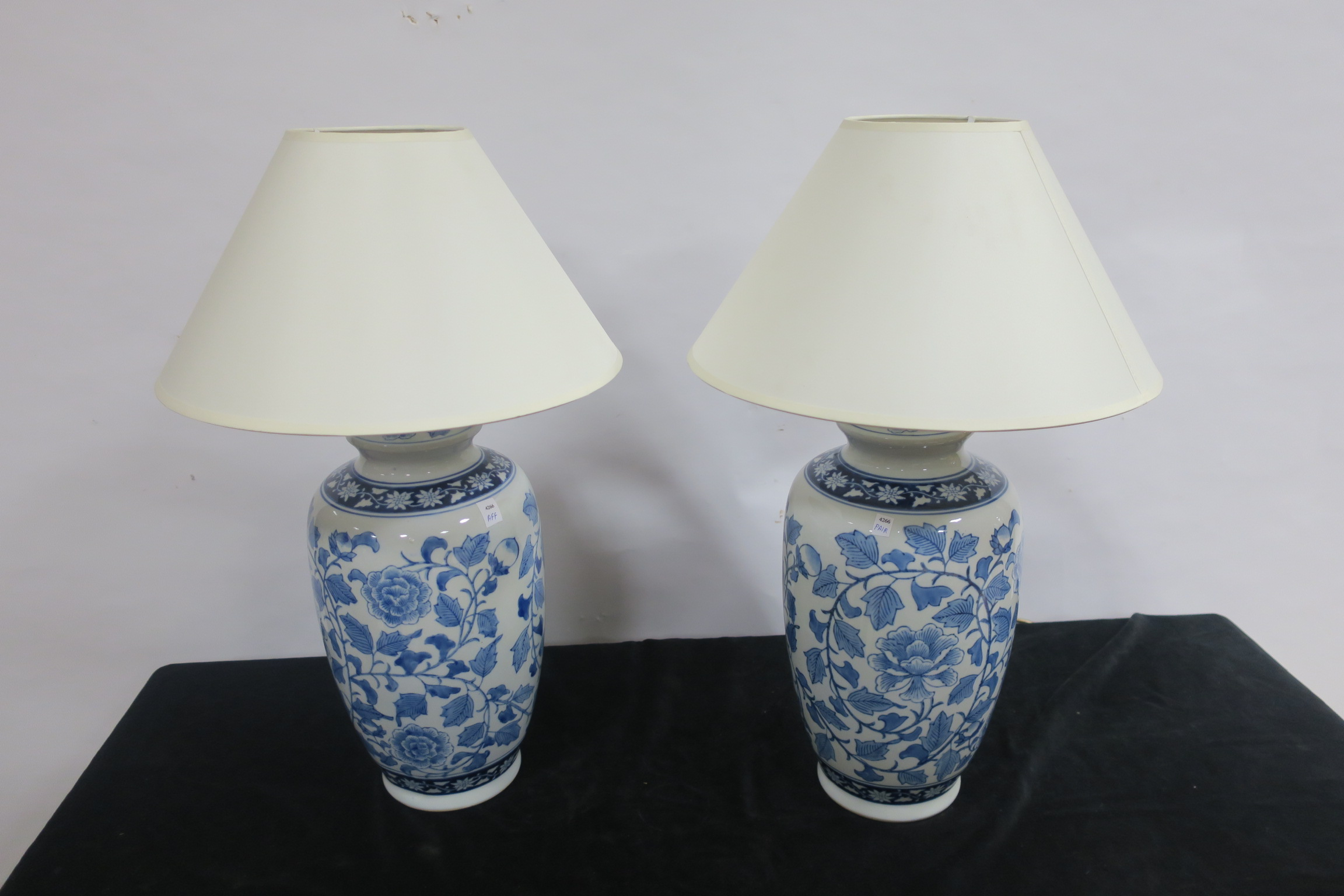 Lot 206 - A PAIR OF PORCELAIN TABLE LAMPS,