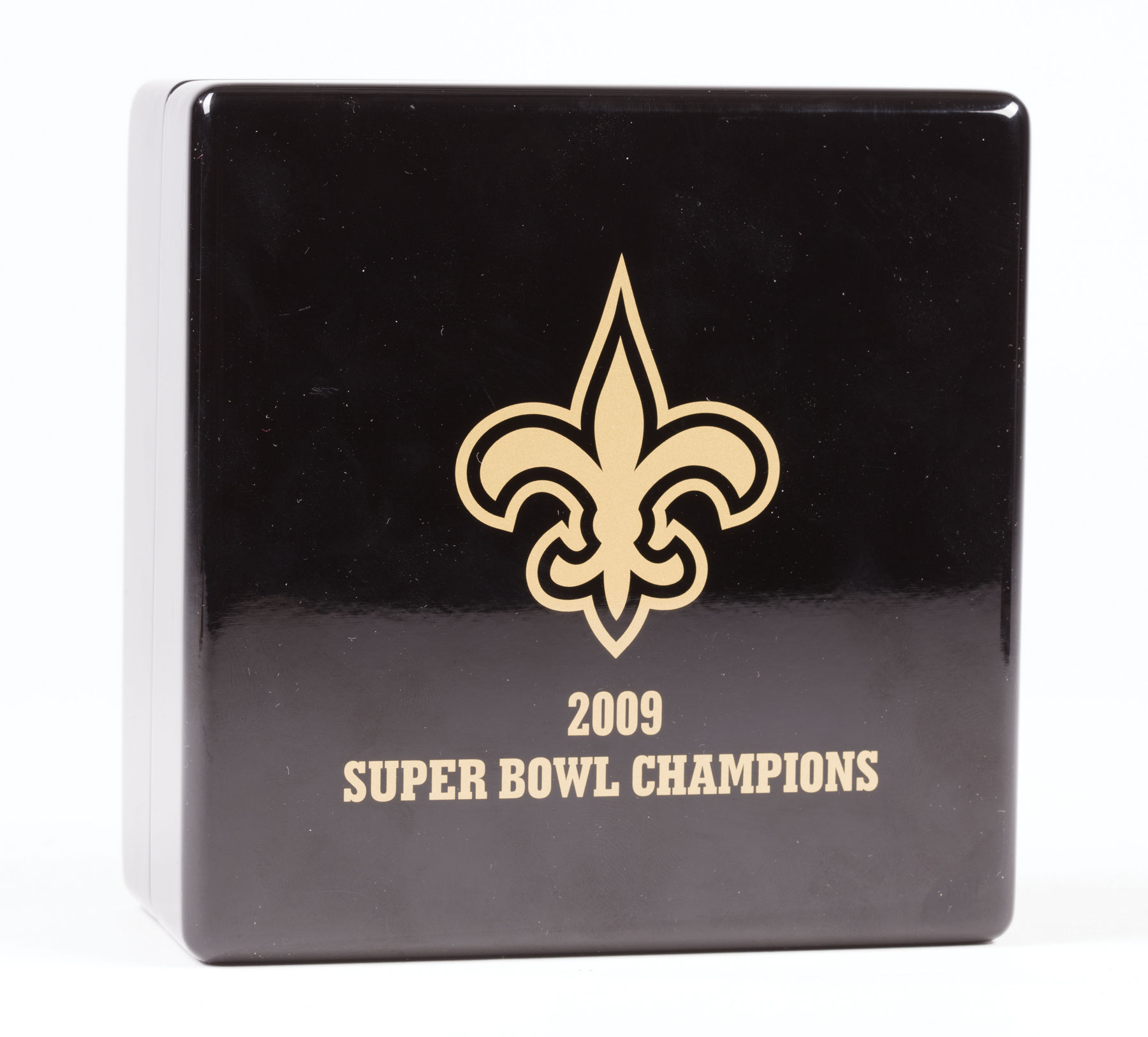 "Lot 570 - Tiffany & Co. 14 kt. Yellow Gold and Diamond ""New Orleans Saints 2009 Championship"" Pendant , bead-"
