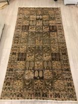 Lot 1058 - A hand-made Bakhtiar, ''55 houses'' Carpet in beige,