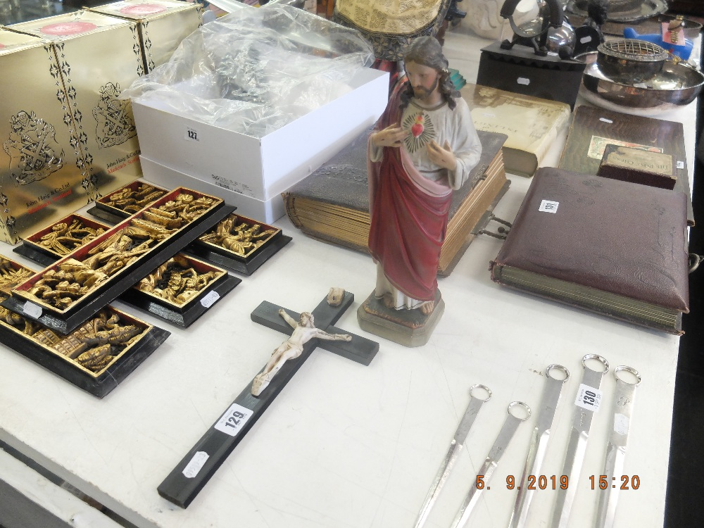 Lot 67 - A figure of Jesus plus two cross and two prayer books in holder