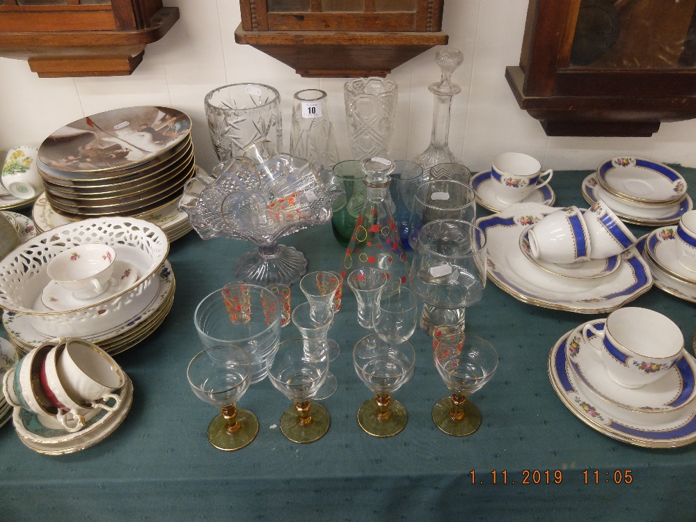 Lot 10 - A quantity of assorted glassware