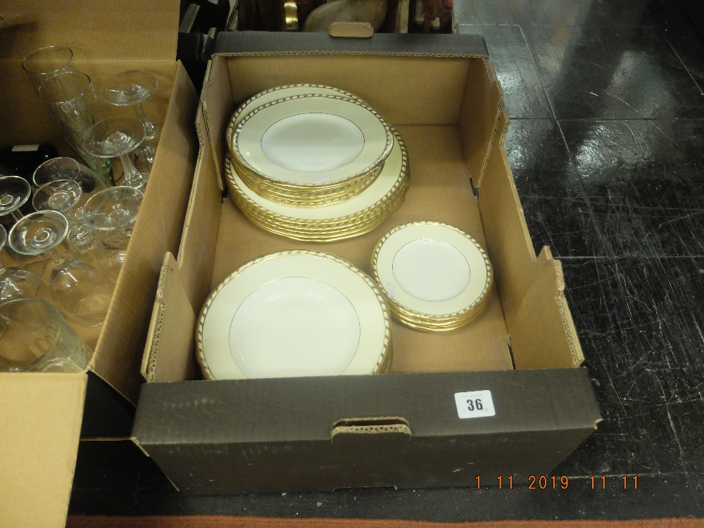Lot 41 - A Minton part dinner set