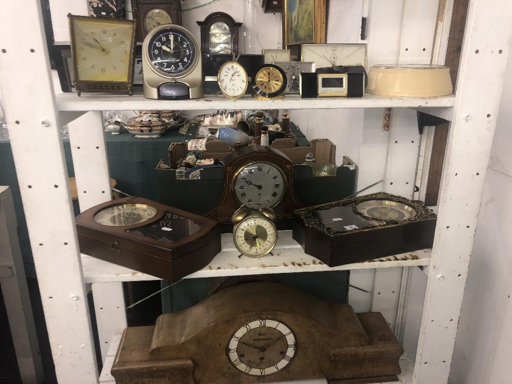 Lot 1 - Eighteen assorted clocks a/f