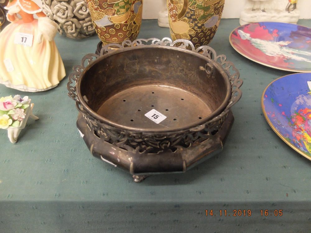 Lot 15 - An art nouveau Reed and Barton silver plated jardiniere