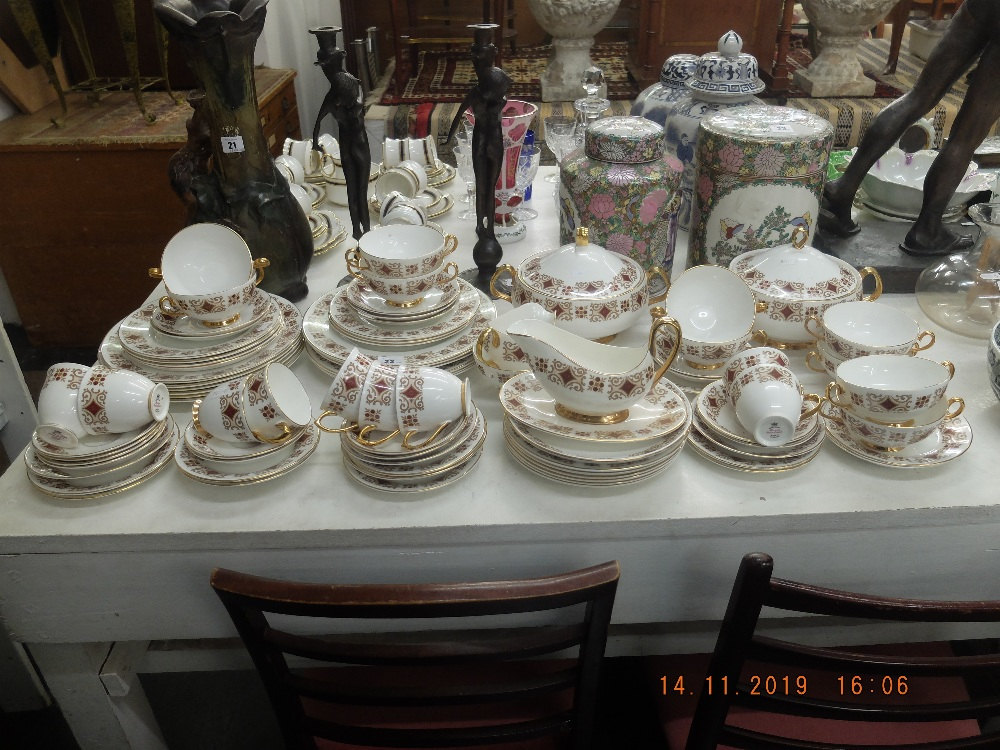 Lot 22 - A Royal Imperial tea and dinner set