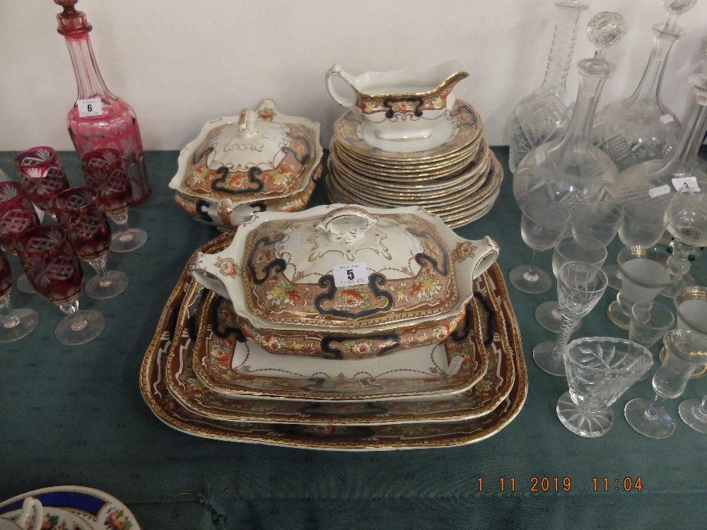 Lot 4 - A Lincoln pottery dinner set